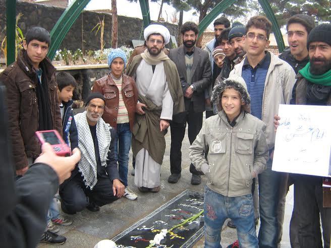 شركت حلقه صالحين پايگاه امام حسن مجتبي (ع) در نماز جمعه شهرستان نطنز
